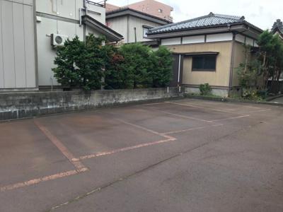【駐車場】ベロウ栄