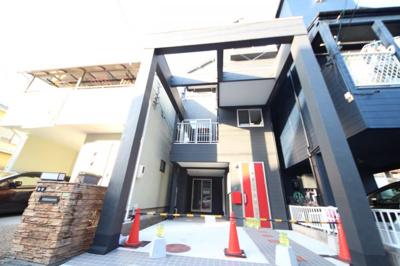 3階建て住宅 ビルドインガレージ・駐車2台可(車種によります)