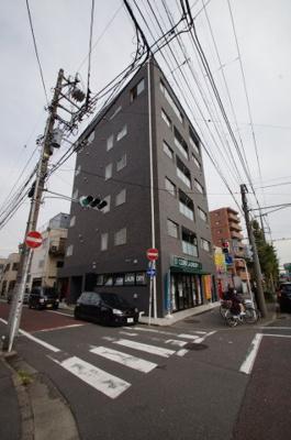 京急本線「川崎大師駅」徒歩11分の新築マンションです。