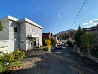 【前面道路含む現地写真】【この眺望、一見の価値あり!】双子山中古戸建