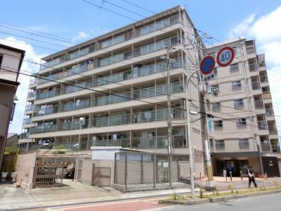 【現地写真】  7階建♪ 駅近くの陽当たりの良いマンションとなっております♪