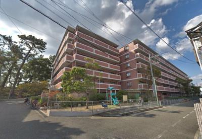 【現地写真】  総戸数102戸のマンションです♪