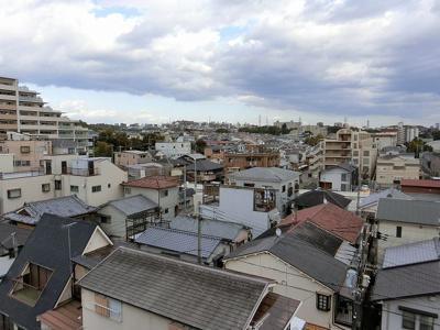 【現地写真】 最上階ならではの景観♪遮蔽物も少ないので遠くまで見渡せます♪