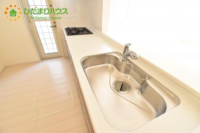 【キッチン】行田市佐間 第5 新築一戸建て リーブルガーデン 03