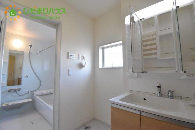 【洗面所】行田市佐間 第5 新築一戸建て リーブルガーデン 03