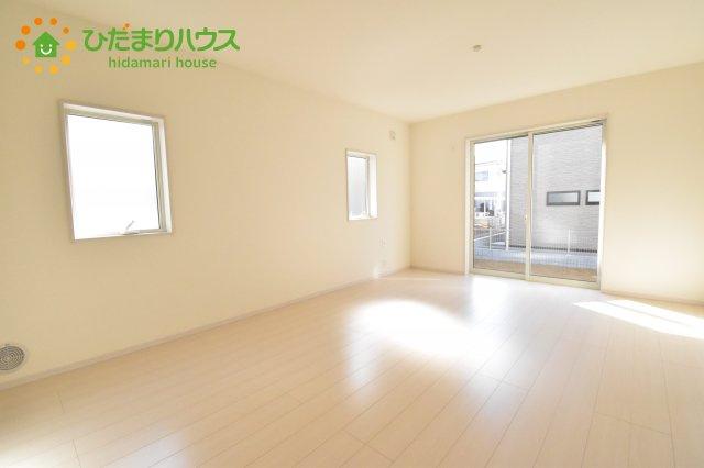 【居間・リビング】行田市佐間 第5 新築一戸建て リーブルガーデン 03