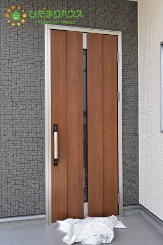 【玄関】行田市佐間 第5 新築一戸建て リーブルガーデン 01