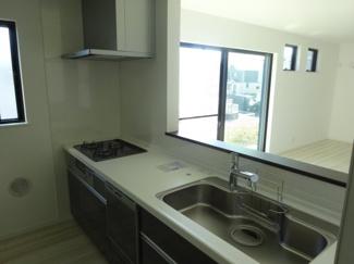 千葉市若葉区加曽利町 新築一戸建て 桜木駅 食洗器付きの人造大理石天板キッチン♪