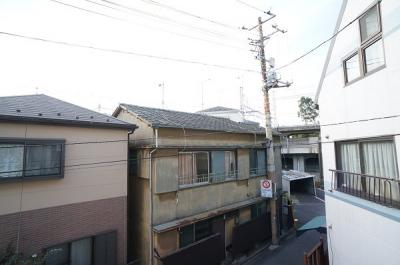 バルコニーから正面眺望♪戸建て住宅が並ぶ。