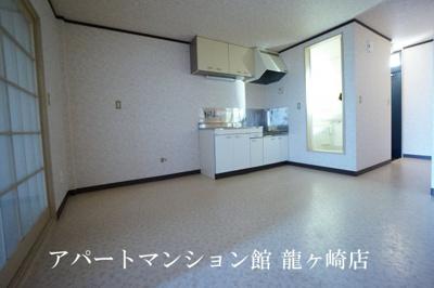 【居間・リビング】サンラフォーレ佐貫