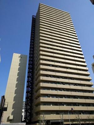 大阪メトロ谷町線 天神橋筋六丁目駅 徒歩4分の好立地! 地上30階建のタワーマンションです(^^♪