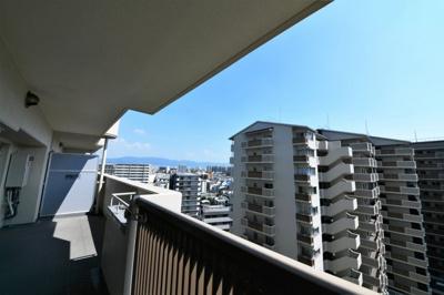 陽当たり・通風ともに良好です。お天気のいい日は青空をみながら深呼吸はいかがでしょうか。