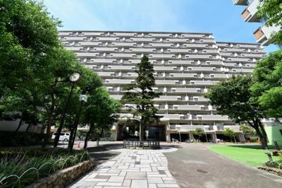◎「今福鶴見」駅から徒歩7分!イオンモールすぐ ◎スーパー・病院など生活施設揃っています ◎リフォーム済みの綺麗なお部屋♪