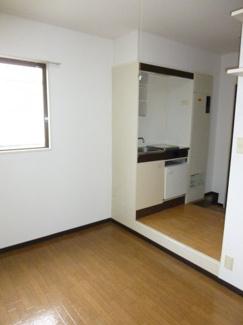 ローズハイツ ※同タイプの室内写真です。