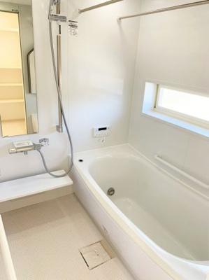 【浴室】小曽根町2丁目 新築戸建