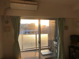 朝日が入るリビング☆おだやかな陽射しに包まれながら心地よい生活を♪