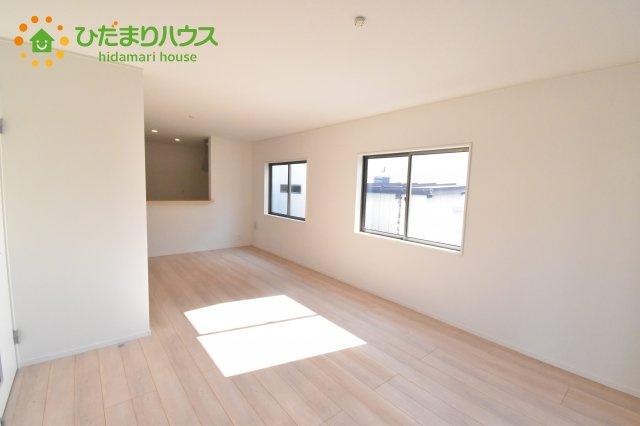 【居間・リビング】上尾市浅間台 第3 クレイドルガーデン 02