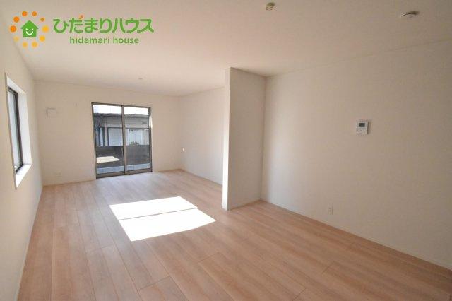 【内装】上尾市浅間台 第3 クレイドルガーデン 02