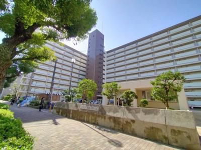 ◎大阪メトロ・京阪の3WAYアクセス可能な好立地です。 ◎スーパーライフまで徒歩5分!!毎日のお買い物が便利ですね♪ ◎敷地内公園あり。ファミリーにも安心。