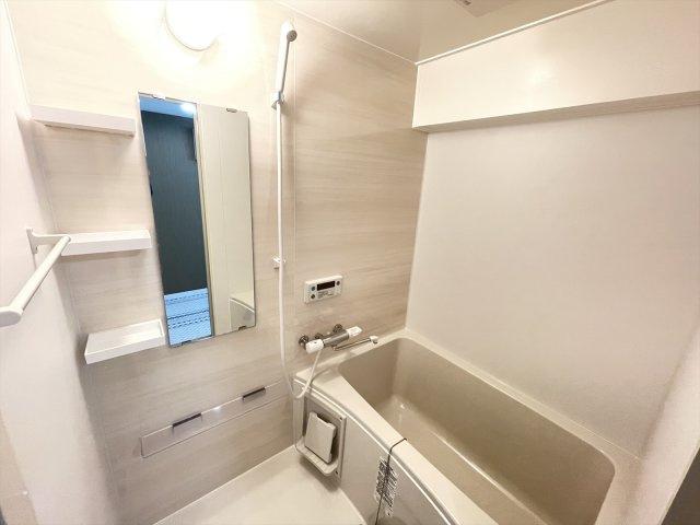 バスルーム新品交換しています