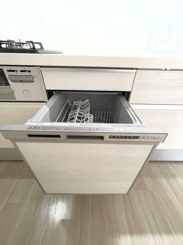 食洗機つきなので、忙しい朝もサッと片づけできていつでもキレイなキッチンをキープできます