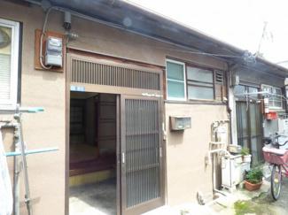 尼崎市長洲中通2丁目貸家の外観。