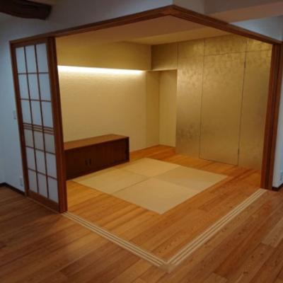 6帖の和室は真ん中に配置された琉球畳がおしゃれです。客間としてご使用いただいたり、赤ちゃんのお昼寝スペースとしても最適ですね♪