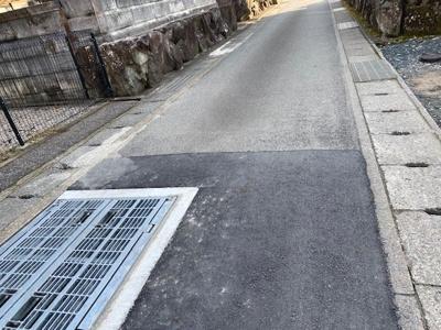 【前面道路含む現地写真】成松売土地