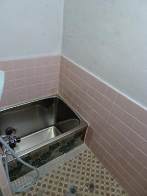 【浴室】中古テラスハウス 大東市諸福3丁目(昭和47年築)