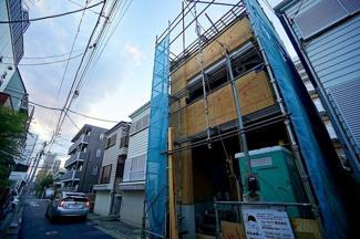「武蔵小杉」駅徒歩11分の好立地とは思えない、 閑静な住宅街に限定一棟の販売です。