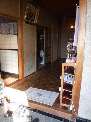【玄関】南アルプス市飯野中古戸建住宅