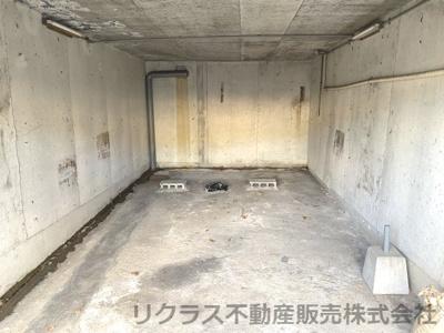 地下車庫付きです