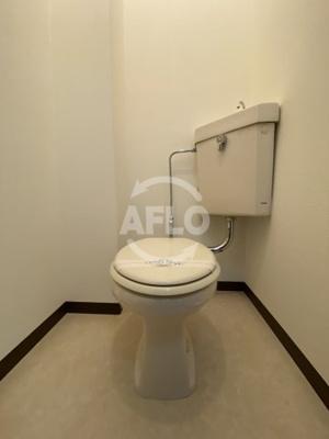 エストゥーディオ・コーモド トイレ