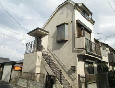 3駅利用可能!閑静な住宅街にある、南向きで日当たり良好!の戸建てです。