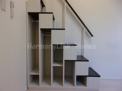 ディアグランコート足立の収納付き階段☆