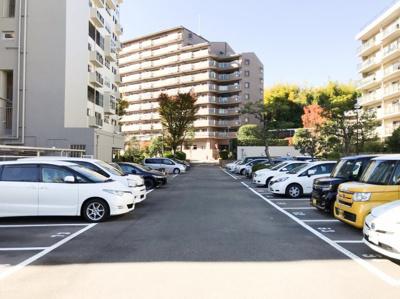 敷地内駐車場は平面式です♪空き状況は要確認お願いいたします♪