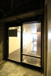 【玄関】ナポリ元町ビル