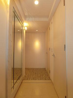 明るく清潔感のある玄関です。