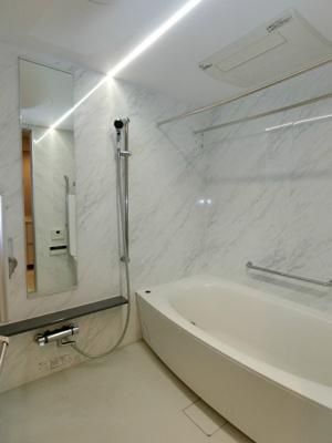 きれいでくつろげるお風呂です。
