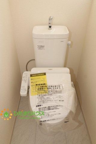 ご家族が忙しい朝の時間帯も安心。トイレは各階にございます。