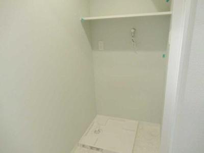 防水パン付きの室内洗濯機置き場もございます。