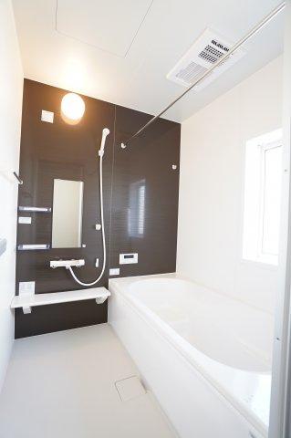 浴室乾燥機付の一坪バス!