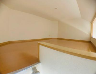 ロフトは収納にも、寝室スペースにもできます。