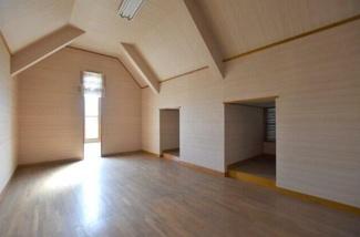 岐阜市近島 中古戸建て♪個人の部屋や寝室として使える洋室です