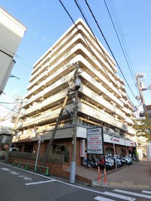 総戸数41戸、昭和58年7月築のマンションです。 専有面積35.00平米、1LDKのお部屋となります。