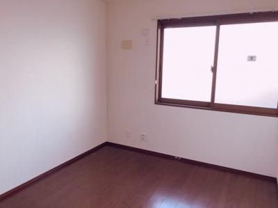 個人の部屋や寝室として使える洋室です 【COCO SMILE ココスマイル】