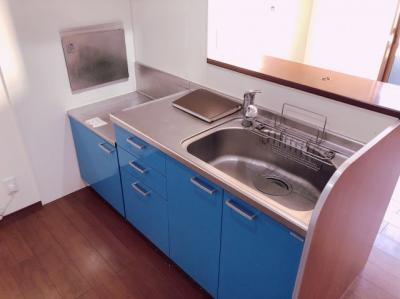 コンパクトなキッチンで掃除もラクラク 【COCO SMILE ココスマイル】