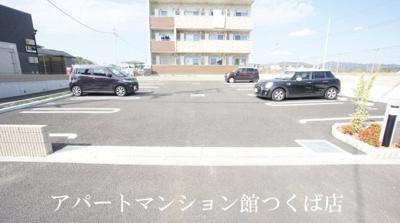 【駐車場】ヴェルレーヌ
