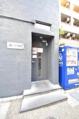 【エントランス】ケイアンドエスビル神戸駅前