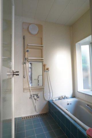 【浴室】築山戸建西